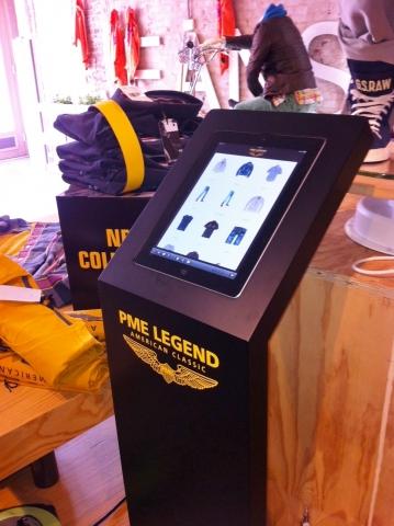 Display van PME Legend