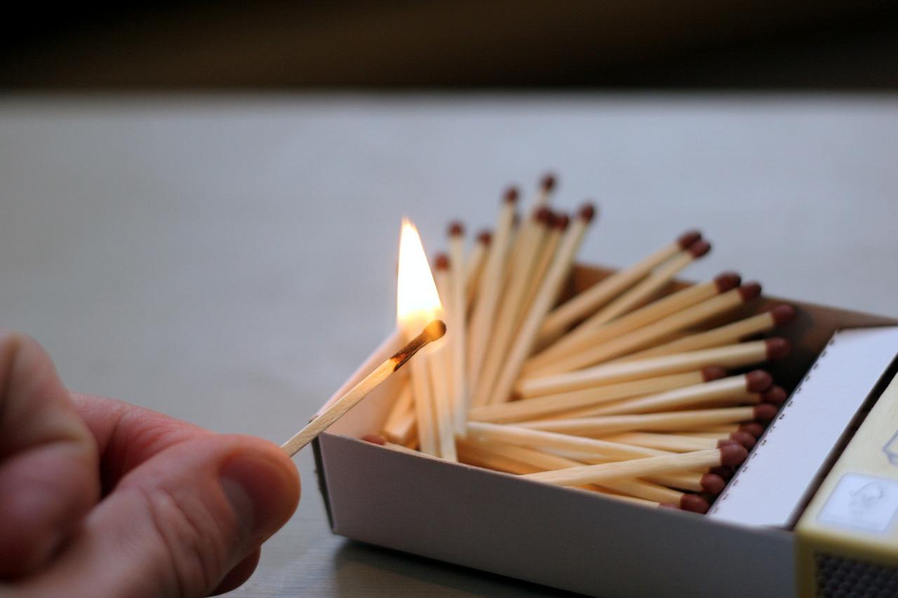 matches-596303_1280