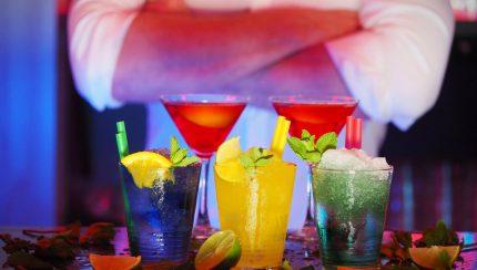 cocktails serveren zakelijk evenement
